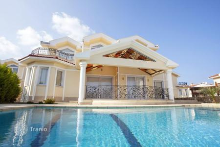 Coastal houses for sale in Kyrenia. Luxury villa with magnificent sea views in sandals