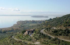 Property to rent in Umbria. Detached house – Passignano Sul Trasimeno, Umbria, Italy