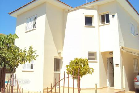 3 bedroom houses for sale in Pernera. Detached 3 Bedroom House with private pool and Title Deeds