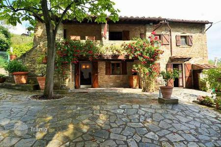 4 bedroom houses for sale in Cortona. Villa – Cortona, Tuscany, Italy