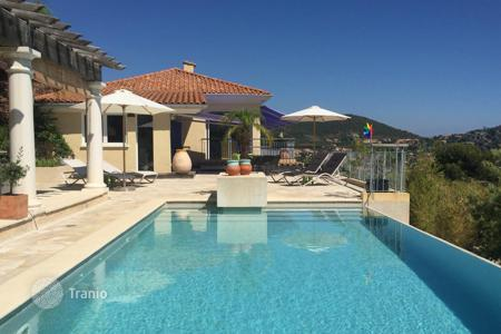 Luxury property for sale in Saint-Raphaël. Close to Cannes — Villa with sea view
