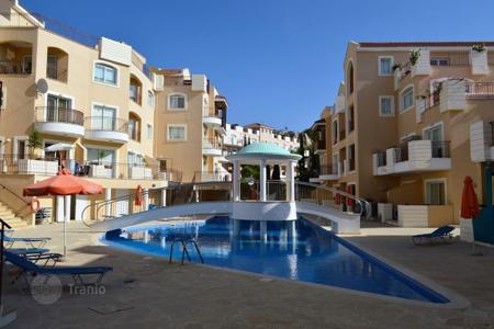Townhouses for sale in Paphos. 2 Bedroom Townhouse in Gated Complex Project — Universal