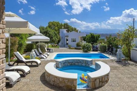Villas and houses by the sea for rent with swimming pools in Crete. Villa – Chania, Crete, Greece