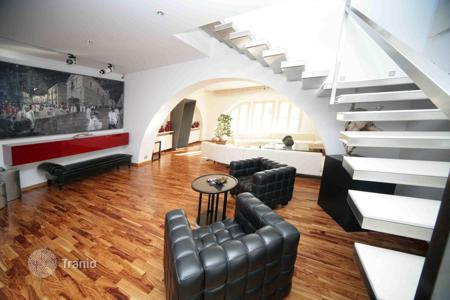 Apartments with pools for sale in Lazio. Penthouse in Trastevere