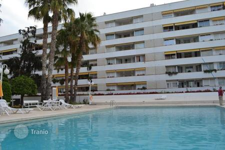 Cheap property for sale in Catalonia. Two-bedroom apartment in a modern complex close to the beach in Fenals area of Lloret de Mar