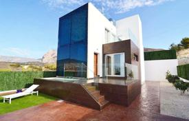 Houses with pools by the sea for sale in Benidorm. 4 bedroom villa with panoramic views in Finestrat, near Benidorm