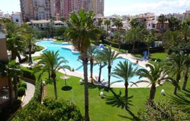 Apartments with pools by the sea for sale in Valencia. Three — bedroom apartment only 300 meters from the beach in Aldea del Mar, Torrevieja
