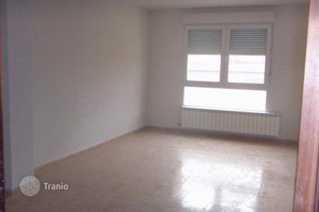 Cheap apartments for sale in Castille and Leon. Apartment – Valladolid, Castille and Leon, Spain