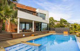 Luxury houses with pools for sale in Catalonia. Villa – Premià de Dalt, Catalonia, Spain