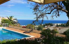 5 bedroom houses for sale in Côte d'Azur (French Riviera). Contemporary villa wil exceptional sea view