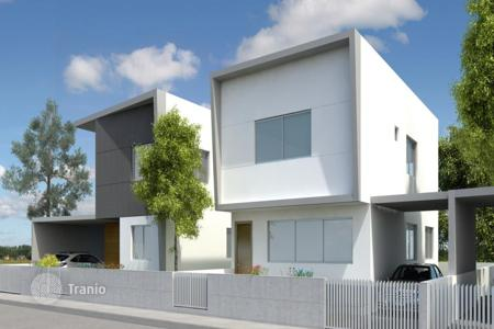 Townhouses for sale in Nicosia. 3 Bedroom Semidetached House in Strovolos