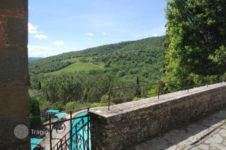 3 bedroom villas and houses to rent in Tuscany. Villa - Volpaia, Tuscany, Italy