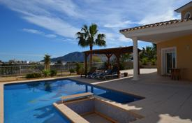Luxury houses with pools for sale in Costa Blanca. Mediterranean style villa in Alfaz del Pi, Alicante, Spain