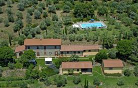 6 bedroom villas and houses to rent in Arezzo. Villa – Cortona, Tuscany, Italy