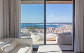 Apartments with pools for sale in France. Panoramic penthouse with sea and surroundings view in a luxurious secured residence with a pool and a parking lot, Mont Boron, Nice, France