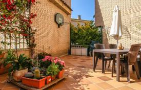 Townhouses for sale in Catalonia. Terraced house – Blanes, Catalonia, Spain
