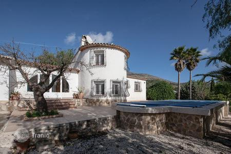 3 bedroom houses for sale in Jalón. 3 bedroom villa with private pool, garden and BBQ area in Jalón