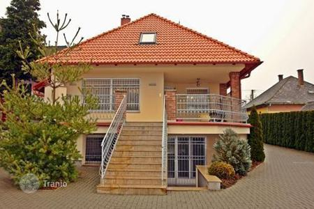 3 bedroom houses for sale in Heviz. Exclusive detached house in Hévíz, at a 10-minute walking distance from the thermal lake