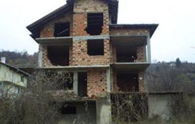 Cheap houses for sale in Bulgaria. Townhome – Botevgrad, Sofia region, Bulgaria