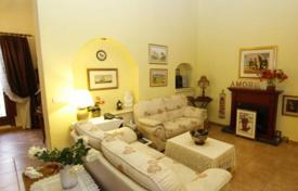 Townhouses for sale in Alicante. Terraced house – Alicante, Valencia, Spain
