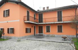Property for sale in Stradella. Elegant country-house, OLTREPO'PAVESE