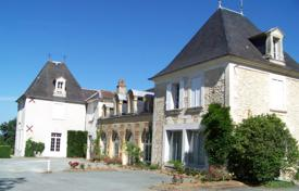 Property for sale in Dordogne. A historic estate with guest houses and a spacious park with two lakes, one hour's drive from Bordeaux, Perigueux, France