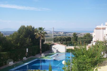 2 bedroom apartments by the sea for sale in Costa Blanca. Apartment near the beach in Torrevieja