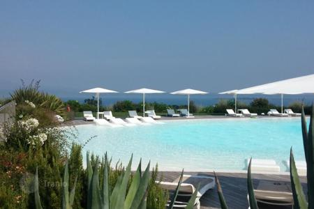 3 bedroom apartments for sale in Lombardy. Apartment - Desenzano del Garda, Lombardy, Italy