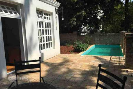 Apartments with pools for sale in Austria. Apartment in an ancient villa with pool and garden 70 m² in Klosterneuburg, Vienna suburb