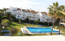 Cozy penthouse with a terrace in a comfortable residence, near the sea coast, Estepona, Costa del Sol, Spain for 340,000 €