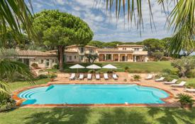 Coastal houses for sale in France. Saint-Tropez — Beautiful property in the Parks