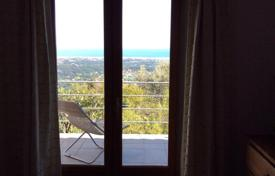 Cheap 3 bedroom houses for sale in Provence - Alpes - Cote d'Azur. Family villa with spectacular sea views