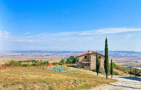 Traditional stone villa with a swimming pool in Castiglione d'Orcia, Tuscany, Italy for 740,000 €
