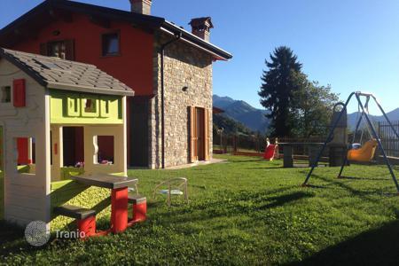 Property for sale in Marche. Villa in Val Seriana, Italy