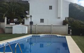 Houses with pools for sale in Mijas. A lovely detached house situated in a quiet area close to Mijas Pueblo