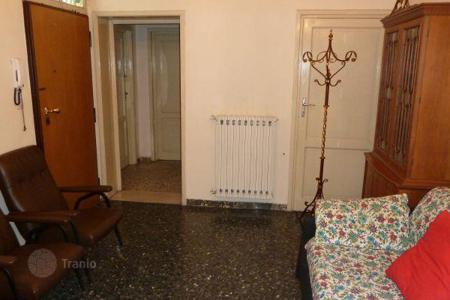 4 bedroom apartments for sale in Florence. Apartment with a covered terrace, Florence, Italy