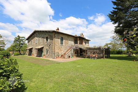 5 bedroom houses for sale in Umbria. Exclusive farmhouse for sale in Umbria, in the town of Castel Giorgio