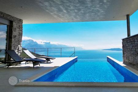 Houses with pools for sale in Split. Villa – Split, Croatia