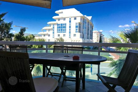 Residential for sale in Ibiza. Spacious four-bedroom luxury apartment in the Aquatic Parc complex, located on the cusp of Marina Botafoch and Talamanca beach