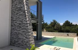 Apartments with pools for sale in Croatia. Apartment for sale on the island od Murter
