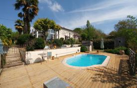 Property for sale in Hauts-de-France. Spacious villa in Béarnaise-style, with a pool, a veranda and views of Morlanne Castle, Pas-de-Calais, France