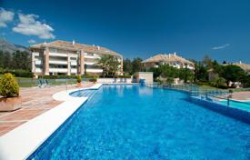 Apartments with pools for sale in Costa del Sol. Apartment for sale in La Trinidad, Marbella Golden Mile