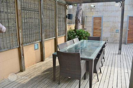 Property for sale in Castelldefels. Modern house close to the sea in Castelldefels