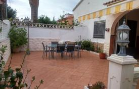 Spacious villa with a terrace and a sea view, Cambrils, Spain for 218,000 €