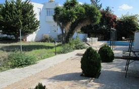 4 bedroom houses by the sea for sale in Paphos (city). Large Commercial field with 4 Bed Detached House and Pool in Paphos