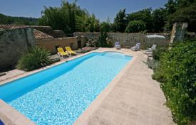 Villas and houses by the sea for rent with swimming pools in Aquitaine. Les Pruniers