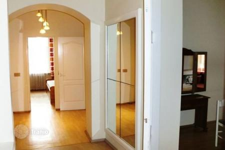 Cheap buy-to-let apartments in Baltics. We offer for sale a spacious 4-room apartment in the center of Riga