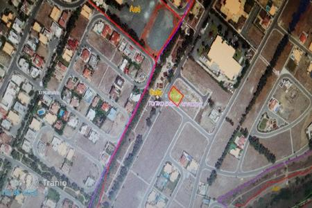 Development land for sale in Nicosia. 806m² Residential Plot in Strovolos