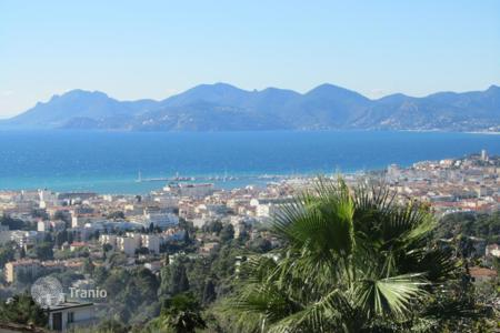 5 bedroom houses for sale in Cannes. Beautifull villa for sale — Magnificent sea views — Cannes