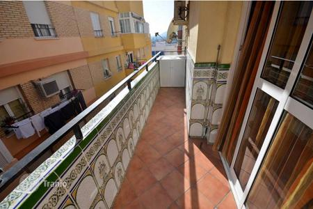 Cheap 3 bedroom apartments for sale in Andalusia. A great bargain! Nice apartment close to all amenities — 3-minute walk to the train station Arroyo de la Miel